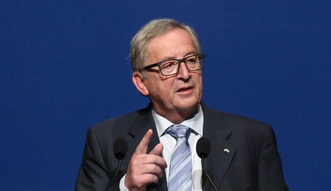 Γιούνκερ: Ιταλία και Γερμανία θα προκαλέσουν αναταράξεις στις αγορές τον Μάρτιο