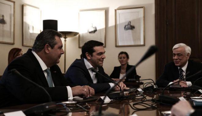 Κλιμακώνει την πίεση προς Τσίπρα - Καμμένο η ΝΔ, με αφορμή το σχέδιο Βαρουφάκη
