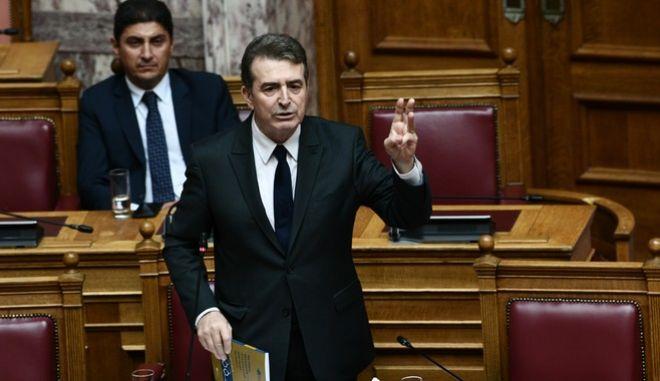 """Τέταρτη (4η) ημέρα της συζήτησης στην Ολομέλεια της Βουλής, του σχεδίου νόμου του Υπουργείου Οικονομικών """"Κύρωση του Κρατικού Προϋπολογισμού οικονομικού έτους 2020"""", την Τρίτη 17 Δεκεμβρίου 2019. (EUROKINISSI/ΜΙΧΑΛΗΣ ΚΑΡΑΓΙΑΝΝΗΣ)"""