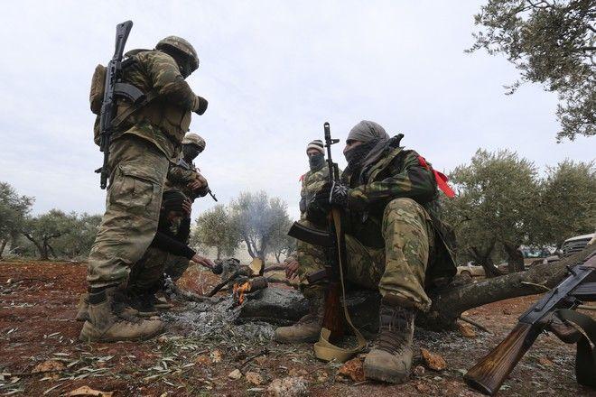 Αντάρτες που στηρίζονται από την Τουρκία στο Ιντλίμπ
