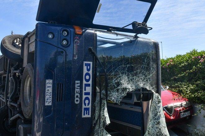 Τροχαίο με κλούβα της αστυνομίας (φωτογραφία αρχείου)