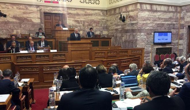 Ο υπουργός Εθνικής Άμυνας Ευάγγελος Αποστολάκης μιλάει στις Υπο-Επιτροπές για Δημοκρατική Διακυβέρνηση και Διατλαντικές Σχέσεις Κοινοβουλευτικής Συνέλευσης ΝΑΤΟ, στη Βουλή.