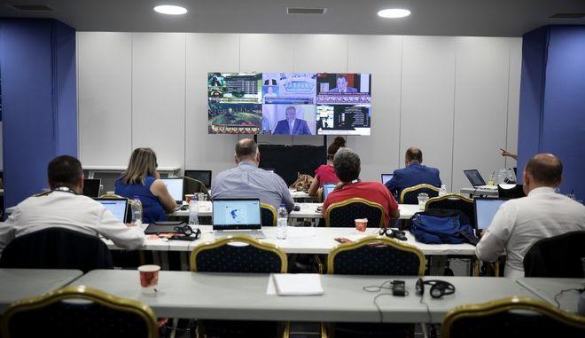 Αποτελέσματα των εκλογών στα κεντρικά γραφεία της Νέας Δημοκρατίας