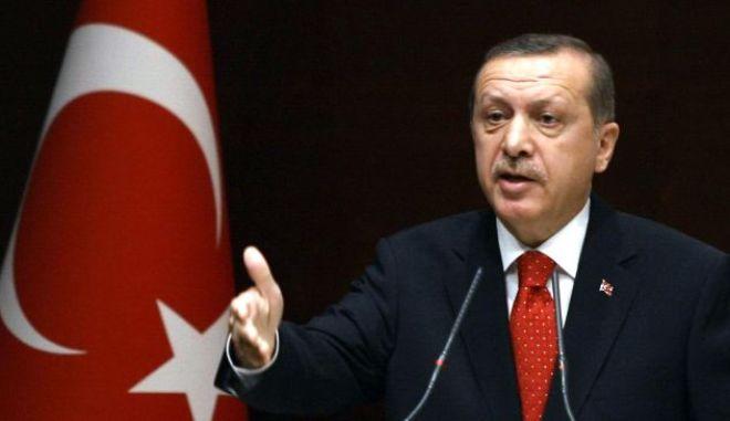 Σκάνδαλο στην Τουρκία: Στην αντεπίθεση ο Ερντογάν. Ξηλώνει αστυνομικούς