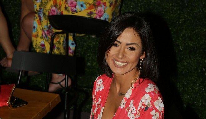 Η Μαρία Τζινέρη σε βραδινή έξοδο το 2017
