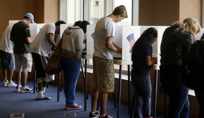 Αμερικανικές εκλογές: Άνοιξαν οι κάλπες