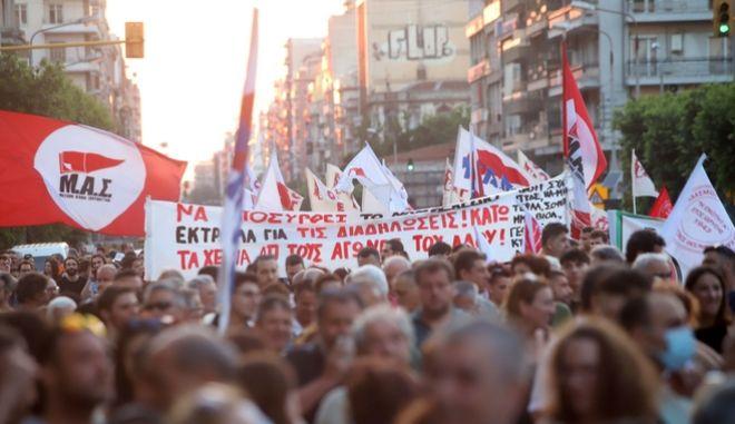 """ΚΚΕ: Το νομοσχέδιο για τα εργασιακά φέρνει τις """"ανατροπές του αιώνα"""""""