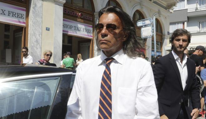 Ο Δήμαρχος Μαραθώνα, Ηλίας Ψινάκης