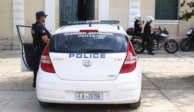 https   www.news247.gr koinonia mainetai-i-pyrkagia-sta-kalyvia ... d9f8dc400b