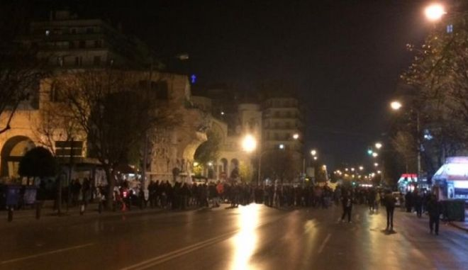 Συγκέντρωση της Χρυσής Αυγής και αντιφασιστική πορεία στη Θεσσαλονίκη