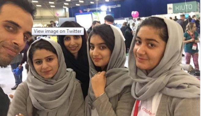 Τα κορίτσια του Αφγανιστάν που σάρωσαν σε διαγωνισμό ρομποτικής αλλά οι ΗΠΑ δεν τις θέλουν