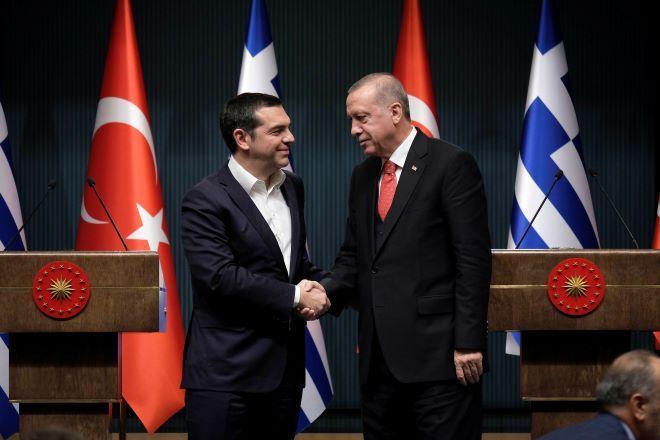 Τι γίνεται όταν συναντιούνται οι Έλληνες πρωθυπουργοί με τον Ερντογάν