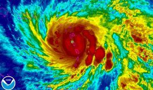 Ο κυκλώνας Μαρία χτυπάει τη Δομίνικα