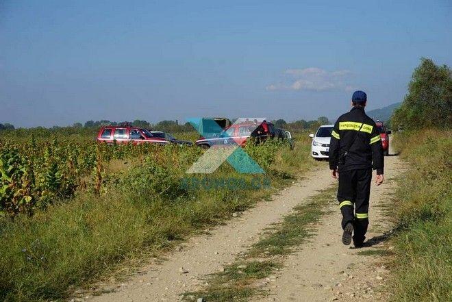 Στην περιοχή, που απέκλεισαν δυνάμεις του στρατού, έσπευσαν και οχήματα της πυροσβεστικής