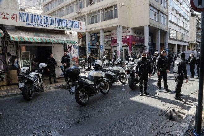 Η αστυνομία δέχθηκε κλήση για συμπλοκή αλλοδαπών στη συμβολή των οδών Σαπφούς και Μενάνδρου