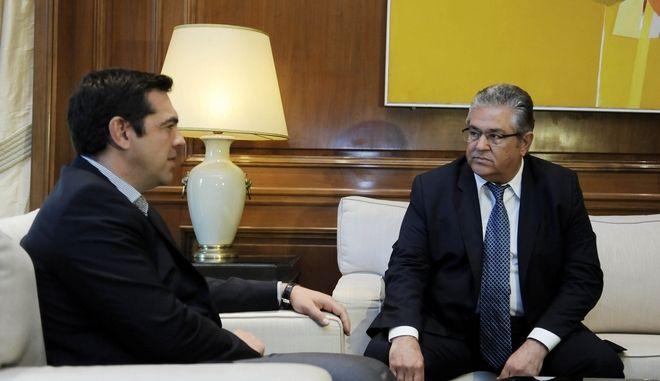 Συνάντηση του πρωθυπουργού Αλέξη Τσίπρα με τον γ.γ. της Κεντρικής Επιτροπής του ΚΚΕ, Δημήτρη Κουτσούμπα, με αντικείμενο τον εκλογικό νόμο την Πέμπτη 23 Ιουνίου 2016. (EUROKINISSI/ΤΑΤΙΑΝΑ ΜΠΟΛΑΡΗ)
