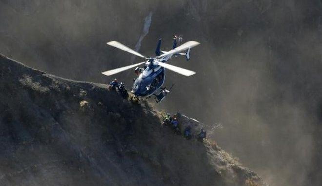 Στον καταθλιπτικό συγκυβερνήτη όλες οι ευθύνες για τη συντριβή του αεροσκάφους της Germanwings στις Άλπεις