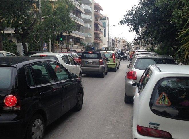 Κλειστοί οι δρόμοι γύρω από τη Συγγρού μετά από τηλεφώνημα για βόμβα