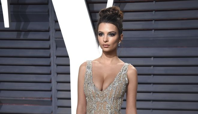 Emily Ratajkowski arrives at the Vanity Fair Oscar Party on Sunday, Feb. 26, 2017, in Beverly Hills, Calif. (Photo by Evan Agostini/Invision/AP)
