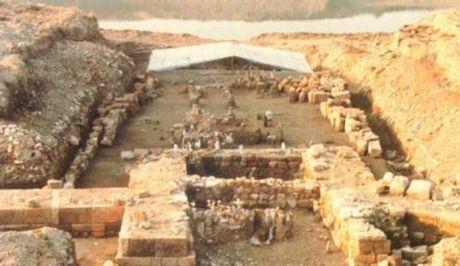 """Αγανακτισμένοι οι αρχαιολόγοι για την """"εξεύρεση"""" του τάφου του Μ. Αλεξάνδρου στην Αμφίπολη..."""