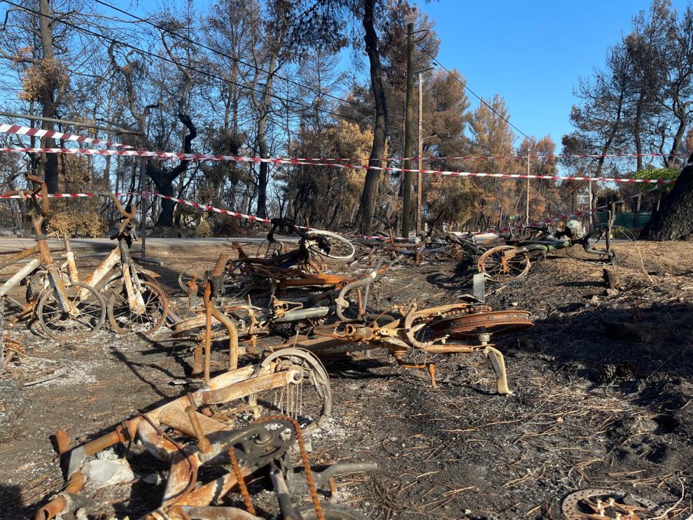 Στην Αγία Άννα της Εύβοιας, 39 μέρες μετά την καταστροφή
