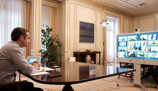 Ο Πρωθυπουργός Κυριάκος Μητσοτάκης συμμετέχει στην τηλεδιάσκεψη των αρχηγών κρατών της Ευρωπαϊκής Ένωσης με θέμα την αντιμετώπιση του κορονοϊού