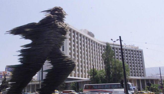 """Ο """"Δρομέας"""" στο κέντρο της Αθήνας"""