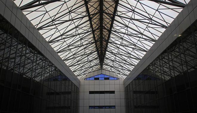 Εσωτερική άποψη του κτιρίου πρώην Κεράνη