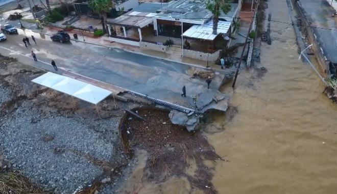 Εικόνες από ψηλά μεταφέρουν την καταστροφή που έχει υποστεί η περιοχή των Γουβών του Δήμου Χερσονήσου από την κακοκαιρία.