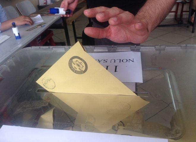 Εκλογές στην Τουρκία: Νεκρός πολιτευτής της Ακσενέρ, βία και αυξημένη συμμετοχή