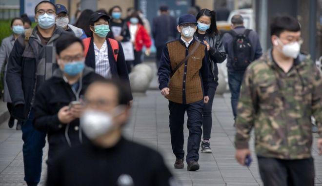 Κινέζοι επιστήμονες βρήκαν ότι ορισμένοι ασθενείς, οι οποίοι ιάθηκαν από τη νόσο Covid-19, στη συνέχεια έχουν απρόσμενα λίγα αντισώματα