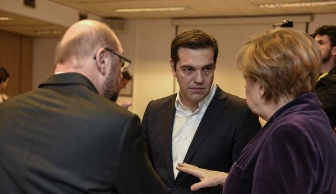 Σύνοδος Κορυφής: Μετεγκατάσταση 160.000 προσφύγων από Ελλάδα και Ιταλία