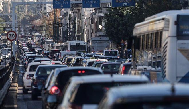 Κυκλοφοριακό χάος στο κέντρο της Αθήνας λόγω της στάσης εργασίας στο Μετρό