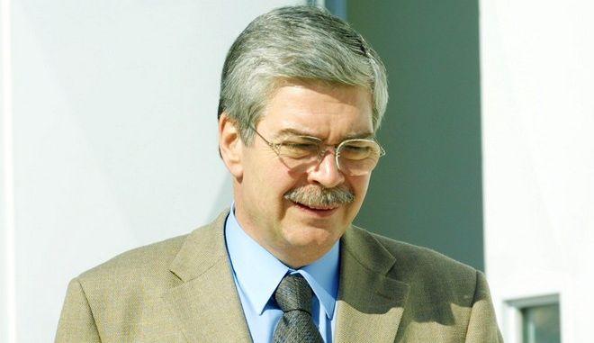 Πέθανε ο πρώην υπουργός Γιώργος Πέτσος.