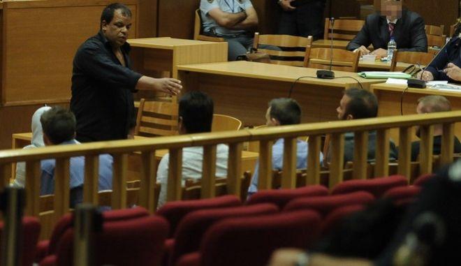 """Δίκη της """"Χρυσής Αυγής"""" στην αίθουσα του Εφετείου Αθηνών, Παρασκευή 7 Οκτωβρίου 2016. (EUROKINISSI/ΤΑΤΙΑΝΑ ΜΠΟΛΑΡΗ)"""