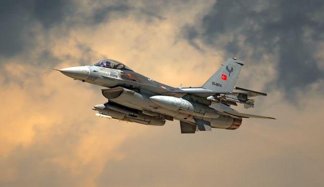 Παραβιάσεις από τουρκικά μαχητικά
