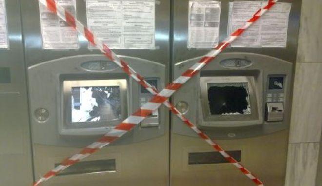 ΝΔ: Γνωστοί άγνωστοι σπάνε ακυρωτικά μηχανήματα με ανοχή της κυβέρνησης