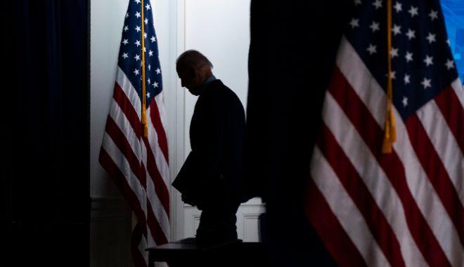 """Ο Μπάιντεν """"ελπίζει"""" να συναντηθεί με τον Πούτιν  τον Ιούνιο στην Ευρώπη"""