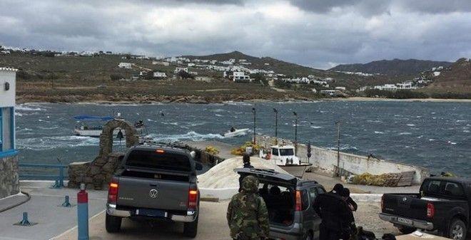 Μύκονος: Σώοι οι ναυτικοί του πλοίου που προσάραξε στη βραχονησίδα Τραγονήσι