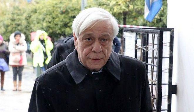 Ο Πρόεδρος της Δημοκρατίας Προκόπης Παυλόπουλος στην πολιτική κηδεία του Θάνου Μικρούτσικου