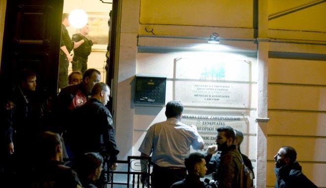 Φωτογραφία από το γραφείο του δικηγόρου Μιχάλη Ζαφειρόπουλου, ο οποίος δολοφονήθηκε στις 13 Οκτωβρίου 2017