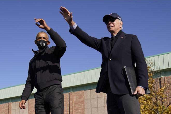 Τζο Μπάιντεν και Μπαράκ Ομπάμα