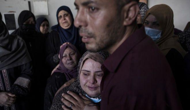Ανείπωτη τραγωδία στην Παλαιστίνη, με εκατοντάδες νεκρούς από τις ισραηλινές επιδρομές.