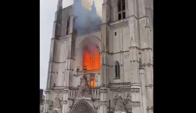 Γαλλία: Ελεύθερος ο άντρας που είχε συλληφθεί ως ύποπτος για τη φωτιά στον ναό της Νάντης