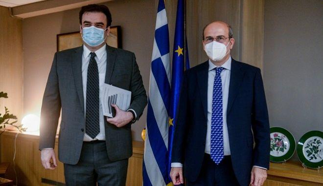 Οι υπουργοί Ψηφιακής Διακυβέρνησης, Κυριάκος Πιερρακάκης και Εργασίας και Κοινωνικών Υποθέσεων, Κωστής Χατζηδάκης