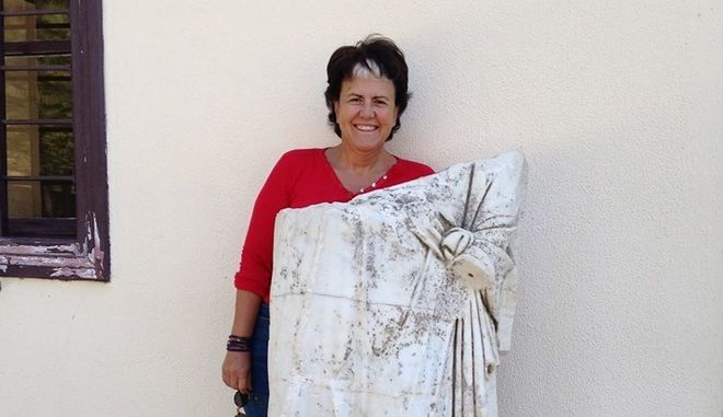 """Η Παναγιωταρέα ομιλεί  ως """"εκπρόσωπος τάφου"""" για την Αμφίπολη...."""