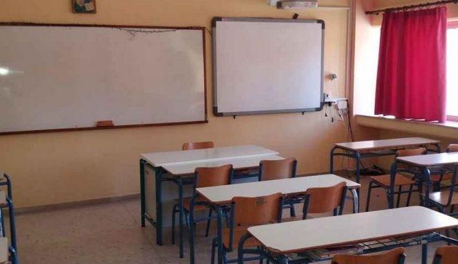 Ακατάλληλες σχολικές αίθουσες στη Δυτική Αττική λόγω του σεισμού του Ιουλίου