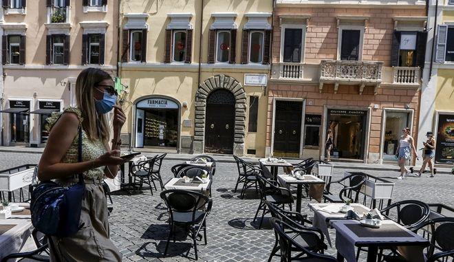 """Καύσωνας στην Ιταλία: """"Βράζει"""" η Σικελία - Μέχρι και τους 46 βαθμούς η θερμοκρασία"""