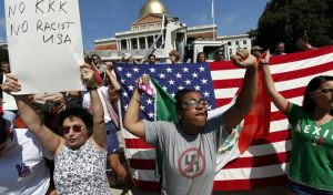 ΗΠΑ: Ογκώδης διαδήλωση κατά του ρατσισμού στη Βοστόνη