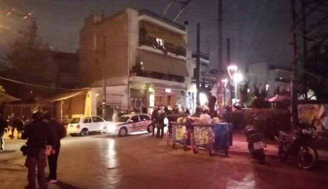 Πετράλωνα: Επέμβαση της αστυνομίας στην πλατεία Μερκούρη